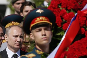 Vladimir-Putin-attends-a-wreath-laying-ceremony
