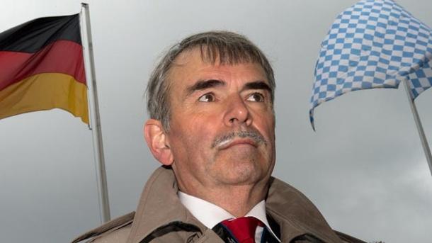prozess-in-regensburg-gustl-mollath-kaempft-um-seine-ehre