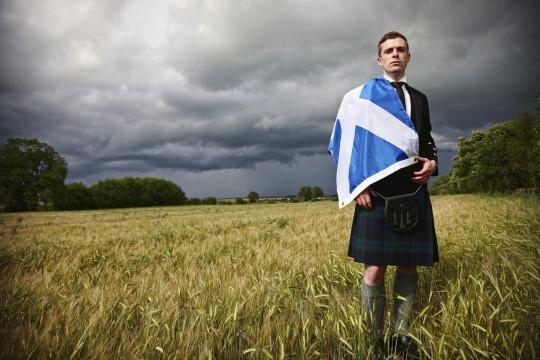 scotsman-in-cornfield-with-kilt-an